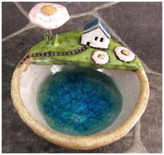 Keepsake Bowl in Stoneware van elukka op Etsy, Clay Houses, Ceramic Houses, Ceramic Clay, Stoneware Clay, Ceramic Bowls, Ceramic Pottery, Paper Clay, Clay Art, Paper Mache Sculpture