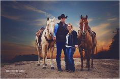 Western family photos. photos with horses cowboy hat cute western engagement photo. vintage family photos