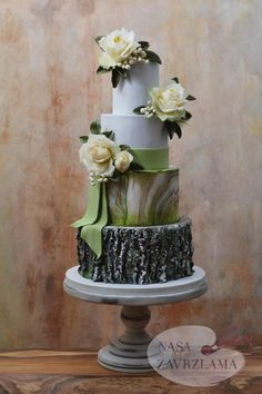 Rustic wedding cake by Nasa Mala Zavrzlama