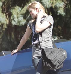 PowerBag - Stylish bag that charges your devices.