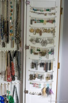over 50 ways to organize your Jewelry