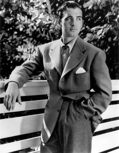 Things are sweeter when they're lost Hollywood Men, Old Hollywood Stars, Vintage Hollywood, Classic Hollywood, Old Movie Stars, Classic Movie Stars, Classic Movies, Vintage Gentleman, Vintage Men
