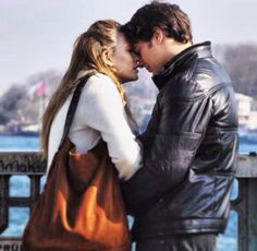 Çağatay Ulusoy Serenay Sarıkaya ~ medcezir Turkish Actors, Leather Skirt, Romance, Couple Photos, Cagatay Ulusoy, Couples, Dramas, Tv, Style