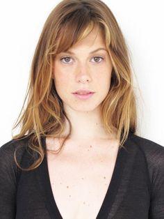 Elettra Weidemann natural hair and makeup