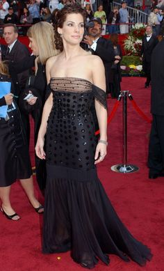 The actress wore a glamorous black Valentino gown for the Academy Awards in 2002.