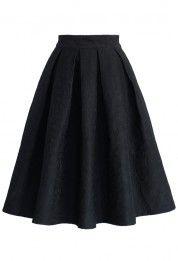 Jacquard Rose Pleated Midi Skirt in Black