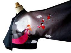 Veste boléro kimono bicolore très chic de forme kimono, manches mi-longue 3/4. Imprimé Tissu Japonais en jersey et tissu uni noir coton.  http://www.boutiqueyeiho.com/