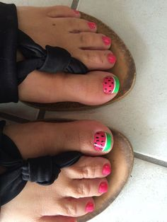 Here are the best Summer Toe Nail Design ideas for you. Keep your style game strong with Toe Nail designs for Summer. Best Summer Nail Art ideas are here. Neon Toe Nails, Cute Toe Nails, Summer Toe Nails, Fun Nails, Pretty Nails, Beach Nails, Chevron Nails, Acrylic Nails, Pedicure Nail Art