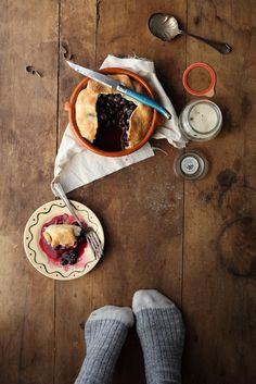 little blueberry pie / julie marie craig New Recipes, Favorite Recipes, Healthy Recipes, Healthy Food, Sweet Recipes, Food Photography Styling, Food Styling, Photography Ideas, Good Food