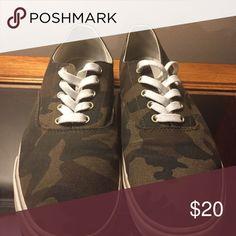 Men's Old Navy Camo Sneakers - Size 10 Great condition.Barely worn. Size 10 camo sneaker. Old Navy Shoes Sneakers