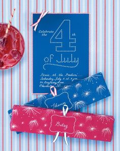Firework Place Cards  As daylight fades and twilight descends, it's time for extra sparkle! To end the party on a light note, this patterned wrapping paper is perfect for a box of sparklers.