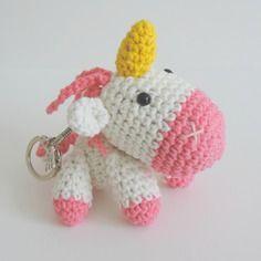 Porte clés licorne blanche et rose crochet amigurumi kawaii