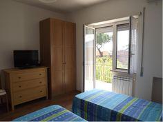 Camera doppia con Tv e rete wifi , balconcino esterno.