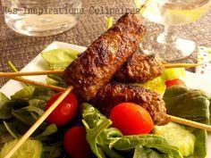 Brochettes de kefta (viande hachee) pour 4 500g de viande hachée 1 oignon haché…
