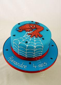 Gâteau d'anniversaire décoré sur le thème Spiderman Décor en 2D en pâte à sucre Cake Design Belgique