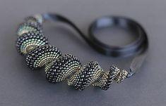 jajica / Čierno-zeleno-zlatý náhrdelník Beaded Bracelets, Silver, Handmade, Jewelry, Hand Made, Jewlery, Jewerly, Pearl Bracelets, Schmuck