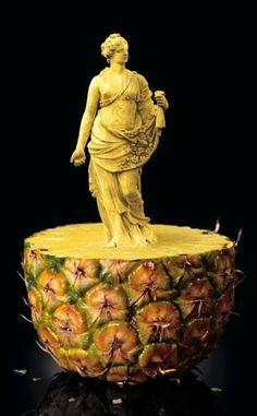 Digital sculpture in vegetables and fruits