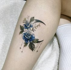 100 Exceptional Shoulder Tattoo Designs for Men and Women Dice Tattoo, 16 Tattoo, Tattoo Dotwork, Shape Tattoo, Tattoo Moon, Tribal Moon Tattoo, Luna Tattoo, Jesus Tattoo, Sexy Tattoos