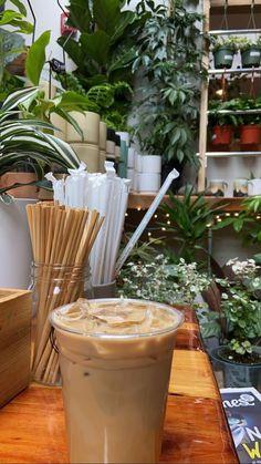 But First Coffee, I Love Coffee, Coffee Break, Iced Coffee, Coffee Drinks, Coffee Shop, Aesthetic Coffee, Aesthetic Food, Coffee And Books