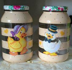 1 million+ Stunning Free Images to Use Anywhere Recycled Glass Bottles, Painted Wine Bottles, Bottles And Jars, Mason Jar Crafts, Bottle Crafts, Mason Jars, Decoupage Jars, Free To Use Images, Tole Painting
