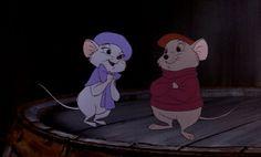 Disney Challenge: Favorite Animal Couple Bernard and Bianca! So sweet, Disney Pixar, Disney Magic, Disney Amor, Art Disney, Disney Films, Disney Animation, Disney Characters, Punk Disney, Disney Cartoons