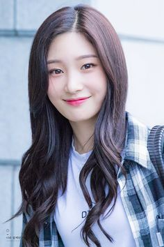 (n) a look shared by two people, each wishing that the other would i… # Fiksi remaja # amreading # books # wattpad Jung Chaeyeon, Kim Sejeong, Ulzzang Korea, Beautiful Actresses, Kpop Girls, Asian Beauty, Korean Girl, Celebrities, Sm Rookies