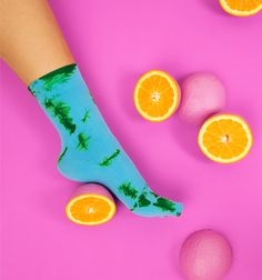 Tie Dye color microfiber socks and fresh pink oranges.   #socks #tiedye