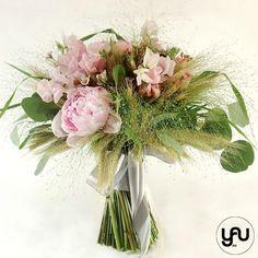 Buchet mireasa bujori lathyrus grau _ BM216 – YaU concept Wedding Bouquets, Glass Vase, Floral Design, Floral Wreath, Wreaths, Contemporary, Artist, Home Decor, Floral Crown
