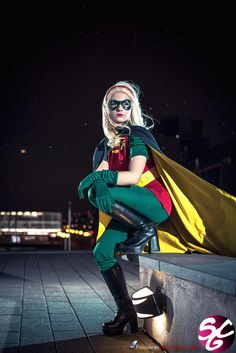 Robin (Stephanie Brown) finally a GOOD female robin cosplay Nightwing Cosplay, Batman Cosplay, Superhero Cosplay, Dc Cosplay, Cosplay Anime, Superhero Party, Best Cosplay, Cosplay Girls, Cosplay Ideas