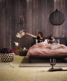 #Auping Essential Meest duurame #bed ter wereld Koninklijke Auping presenteert de Auping #Essential, het eerste bed ter wereld met een Cradle to Cradle Silver certificaat. Dit houdt in dat het een volledig duurzaam ontwerp is, vervaardigd van gerecyclede materialen Meer informatie over Auping of bedden :http://www.wonenwonen.nl/bedden/auping-essential/9994