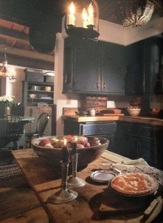 primitive homes daily crossword Colonial Kitchen, Rustic Kitchen, Kitchen Dining, Kitchen Decor, Kitchen Ideas, Primitive Kitchen Cabinets, Country Kitchen Backsplash, Kitchen Island, Nice Kitchen