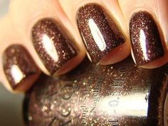 Bronze Glittery Nails   LUUUX