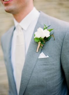 Grey Grooms Suit   photography by http://www.lauraivanova.com/