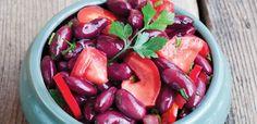 Sałatka z pomidorów i czerwonej fasoli