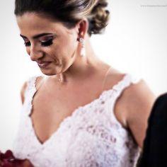 Entrada da noiva  Casamento Rafael e Diana  http://ift.tt/1O9LVe0  #weddingphotography #weddingphotographer #casamento #bride #canon #clauamorim #claudiaamorim  #photooftheday #happiness #vestidodenoiva #fotodecasamento #fotografodecasamento #love #vestidadebranco #lapisdenoiva #yeswedding #bridetobride #bride2bride  #noivinhasdegoiania. #casar #voucasar
