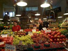 Photo taken by Leesa Brown. Produce Stand, Farmers Market, Seattle, Spaces, Vegetables, Brown, Beautiful, Food, Essen