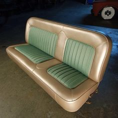 FB TheHogRing.com ----- Check out this bench seat by @fatluckys…