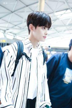 Eunwoo oppa at the airport