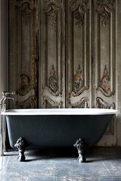 Bath feet, wall #PBperfectsaturday with @Caitlin Burton Flemming and @Jessica Grinsteinner Barley