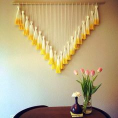 51 Creative DIY Mini Wall Hangings Another exciting point to think about while painting is when you Easy Diy Crafts, Fun Crafts, Cool Diy Projects, Craft Projects, Weaving Projects, Craft Party, Diy For Kids, Advent, Wall Hangings