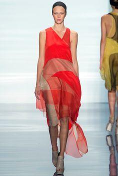 Vera Wang Spring 2014 Ready-to-Wear Fashion Show - Juliana Schurig