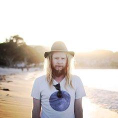 The folk artist, Stu Larsen, shares a crazy tour story!