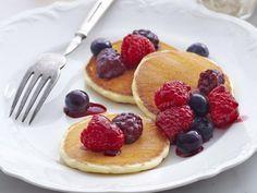 http://recipes-plus.co.uk/recipe/mini-pancakes-cinnamon-ricotta-berries-25746