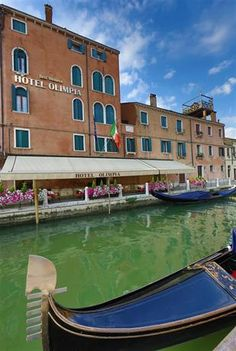Venice Hotels: Best Western Hotel Olimpia, Italy (Santa Croce), you'll be minutes from Tolentini and Piazzale Roma. This family-friendly hotel is close to Squero di San Trovaso and Rialto Bridge. Hotel Finder, Rialto Bridge, Italy Art, Grand Canal, Northern Italy, Best Western, Find Hotels, Hotel Deals, Venice Italy
