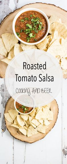 Simple, quick, and delicious: this roasted tomato salsa takes your average restaurant-style salsa to the next level! It's the perfect appetizer! Easy Appetizer Recipes, Yummy Appetizers, Dip Recipes, Appetizers For Party, Party Dips, Beer Recipes, Roasted Tomato Salsa, Roasted Tomatoes, Asian Recipes