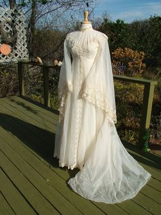 Beautiful wedding dress 1970's