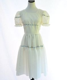 White Puff Sleeves Vintage Dress // Full Skirt by CoolMintMoon, $29.00