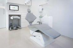 Odontología avanzada es el eslogan que ha elegido la Clínica Dental Asensio, y una vez conocida sus instalaciones, no es tan solo un...
