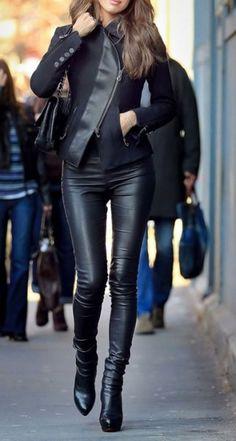 Bőr leggings - viseld jól! http://sziluettpersonalstyling.cafeblog.hu/2014/02/25/viseld-jol/