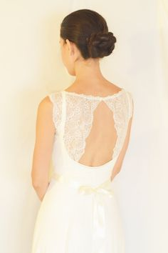Loren - Boho wedding dress, Romantic wedding dress , backless  wedding dress, beach wedding dress by thebride2b on Etsy https://www.etsy.com/listing/206237095/loren-boho-wedding-dress-romantic